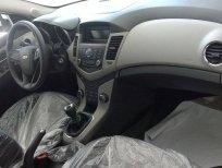 Bán Chevrolet Cruze LT đời 2016, màu trắng, giá tốt
