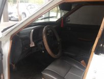 Cần bán Nissan sản xuất 1986, màu trắng, nhập khẩu nguyên chiếc