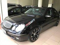 Cần bán lại xe Mercedes E240 đời 2003, màu đen chính chủ
