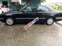 Cần bán xe Mercedes-BenzE240 2004, màu đen