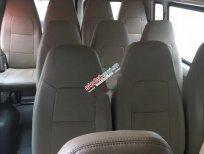 Cần bán xe Ford Transit Medium đời 2013, màu bạc số sàn