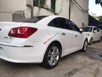Cần bán Chevrolet Cruze 1.8 đời 2015, màu trắng