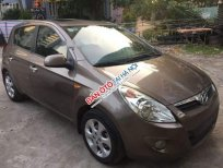 Cần bán Hyundai i20 AT 2011, màu nâu xe đẹp xuất sắc