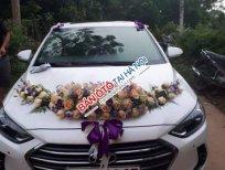 Bán xe Hyundai Elantra AT sản xuất 2018, màu trắng như mới