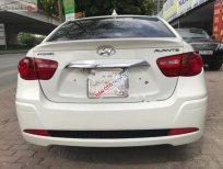 Bán xe Hyundai Avante 1.6 AT đời 2011, màu trắng xe gia đình