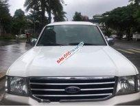 Cần bán gấp Ford Everest MT 2006, màu trắng, chính chủ