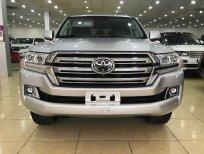 Bán xe Toyota Land Cruiser đời 2019, màu bạc, nhập khẩu