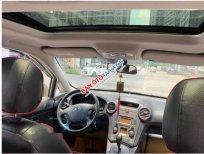 Cần bán lại xe Kia Carens 2.0 năm sản xuất 2011 số tự động
