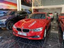 BMW 3 Series 320i đời 2014 màu đỏ, nội thất kem