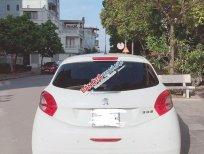 Bán Peugeot 208 đời 2013, màu trắng, nhập khẩu xe gia đình