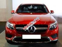 Mercedes-Benz GLC300 4Matic Coupe màu đỏ, sản xuất 2019, tên tư nhân