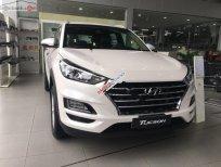 Bán Hyundai Tucson 2.0 năm sản xuất 2019, màu trắng, 768tr