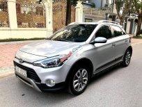 Cần bán Hyundai i20 Active năm 2016, màu bạc, nhập khẩu