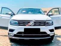 Giảm ngay 160 triệu khi mua Volkswagen Tiguan Luxury đời 2019, màu trắng, xe nhập