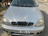 Cần bán gấp Daewoo Lanos SX đời 2002, màu bạc