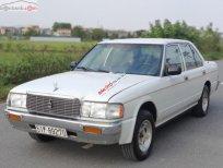 Cần bán Toyota Crown 2.2 MT đời 1993, màu trắng, nhập khẩu