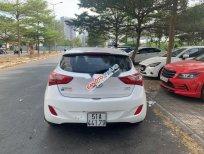 Xe Hyundai i30 AT sản xuất năm 2012, màu trắng, nhập khẩu, giá chỉ 450 triệu