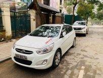 Cần bán Hyundai Accent AT đời 2015, màu trắng chính chủ
