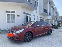 Cần bán Hyundai Sonata sản xuất năm 2011, màu đỏ, xe nhập