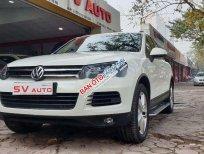 Cần bán gấp Volkswagen Touareg 2014, màu trắng, nhập khẩu nguyên chiếc, giá chỉ 999 triệu