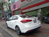 Bán ô tô Kia Cerato 1.6 AT sản xuất 2016, màu trắng xe gia đình