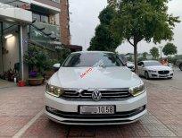 Bán xe Volkswagen Passat đời 2016, màu trắng, nhập khẩu