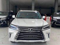 Bán Lexus LX570 màu trắng, model và đăng kỹ 2020 mới 99,9%, lăn bánh 6000 Km, hóa đơn đủ.