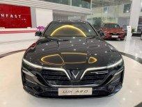 Cần bán VinFast LUX A2.0 tiêu chuẩn năm 2021, màu đen
