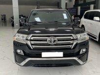Cần bán xe Toyota Land Cruiser 5.7 đời 2016, màu đen, nhập khẩu