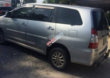 Cần bán lại xe Toyota Innova 2.0E 2013, màu bạc