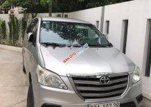 Xe Toyota Innova 2.0E 2015, màu bạc chính chủ, giá tốt