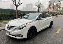 Cần bán Hyundai Sonata 2.0 AT đời 2011, màu trắng, nhập khẩu số tự động, 515 triệu