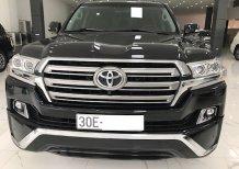 Cần bán xe Toyota Land Cruiser VX đời 2017, màu đen, xe nhập, chính chủ