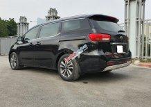 Cần bán gấp chiếc xe Kia Sedona đời 2018, màu đen, giá tốt