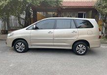 Gia Hưng Auto bán xe Toyota Innova 2.0E màu vàng cát sx 2015 xe gđ Ko chạy dịch vụ ngày nào