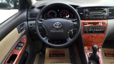 Cần bán Toyota Corolla Altis đời 2006, màu đen, số sàn