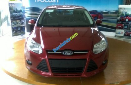Cần bán Ford Focus 1.6AT sản xuất 2015, màu đỏ, giá 749tr