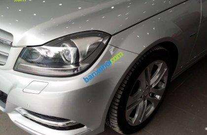 Cần bán xe Mercedes C 200 sản xuất 2011, màu bạc