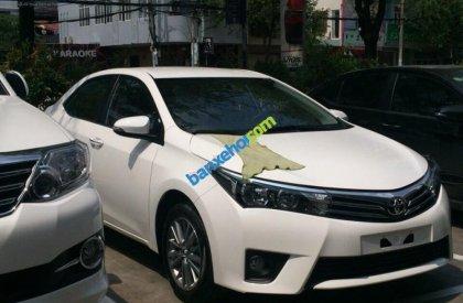 Cần bán Toyota Corolla altis 1.8 AT đời 2015, màu trắng