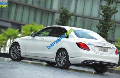 Bán xe Mercedes C200 đời 2015, màu trắng