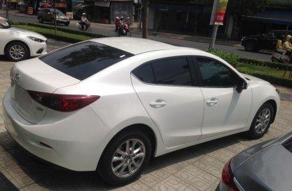Bán xe Mazda 3 1.5 đời 2016, màu trắng
