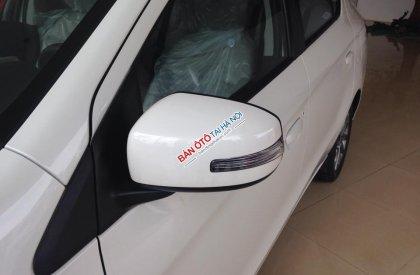 Bán xe Mitsubishi Attrage CVT 2015, màu trắng, nhập khẩu