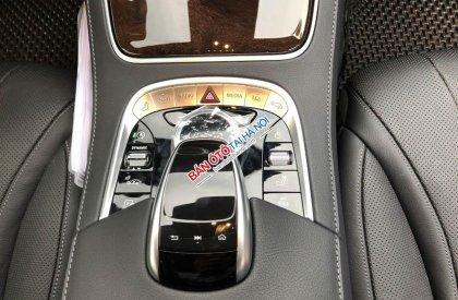 Bán xe Mercedes S450L ĐK 2018, màu đen siêu lướt như mới, giá rẻ hơn 800 triệu