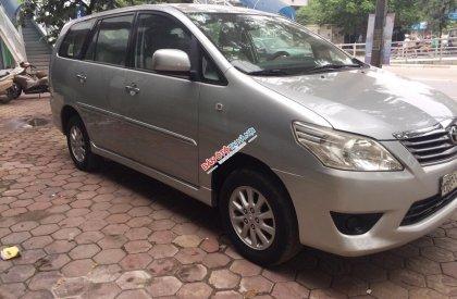 Bán ô tô Toyota Innova 2.0 MT đời 2012, màu bạc, biển Hà Nội, không chạy dịch vụ