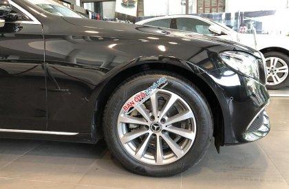 Bán Mercedes sản xuất 2018, màu đen, bảo hành chính hãng chạy vừa hết rốt đa, giá cực rẻ
