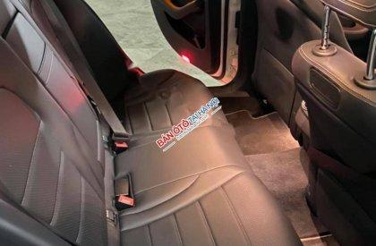 Cần bán Mercedes C200 sản xuất năm 2018, màu trắng, xe nhập
