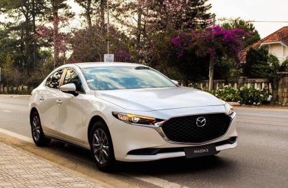 Bán Mazda 3 1.5 Deluxe 2019, màu trắng