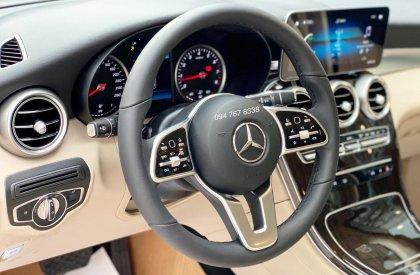 Bán Mercedes GLC200 sản xuất 2021 màu Đen nội thất Kem Siêu lướt chạy cực ít