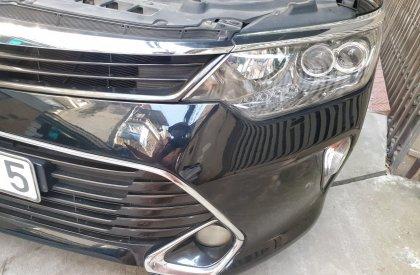 Bán xe Toyota Camry sản xuất 2018, màu đen, số tự động